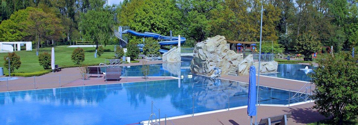 Bad Honnefer Freizeitbad auf der Insel Grafenwerth