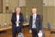 Während der Ratssitzung, die im Bad Honnefer Kursaal stattfand, wurde Elke Buttgereit (links) von Bürgermeister Otto Neuhoff als Ratsfrau vereidigt.