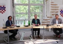 Geschäftsbereichsleiter Fabiano Pinto, Bürgermeister Otto Neuhoff und Erster Beigeordneter Holger Heuser berichteten im Bad Honnefer Ratssaal zum Thema Verkehrswende.