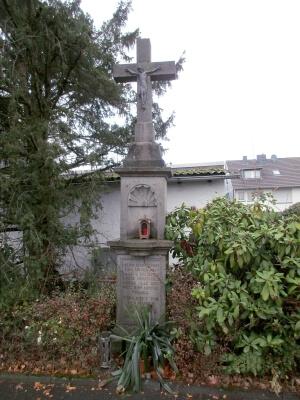 Foto zeigt das Gedenkkreuz der Familie Witt von 1844
