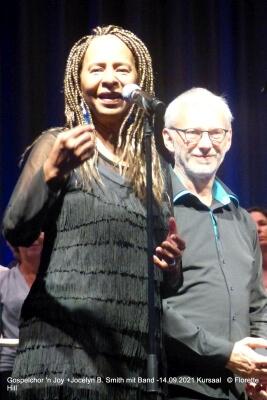 Joyelyn B. Smith und Johannes Weiß (Chorleiter)