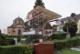 Blick auf Friefhofshalle und Röder-Mausoleum